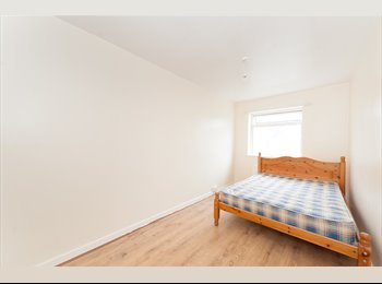 EasyRoommate UK - Nice Room To Rent Near Newcastle City Centre, Fenham - £325 pcm