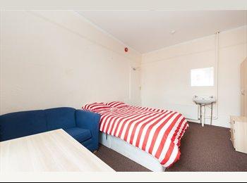 EasyRoommate UK - Superb Flat Close To Sunderland City Centre, Sunderland - £200 pcm