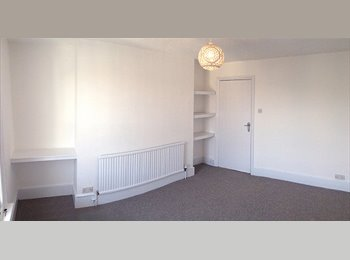 Double room in a beautiful, spacious flat