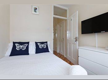 # Double Room + TV - Limehouse DLR Station