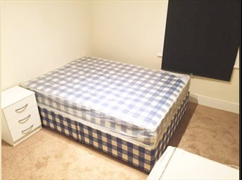 Lovely Double Room - 5min walk from Wood Green