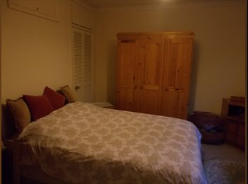 Double room to let in rural Buckinghamshire