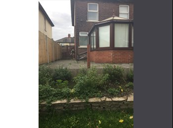 EasyRoommate UK - Rooms to let, Leigh - £250 pcm