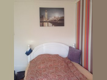 Big and cozy double room in Whitechapel/Shadwell area