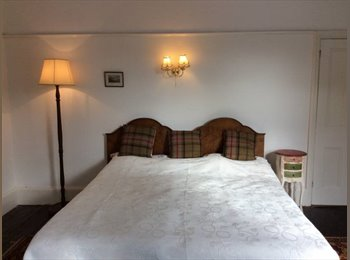 Extra Large and Large Double rooms for single occupancy