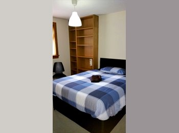 DOUBLE ROOM IN 4 BEDROOM GARDEN HOUSE - FREE OPTIC FIBER...