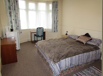 Double room to rent in Crest Road, Parkstone