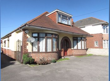 Room to rent in Parkstone, Ringwood Road