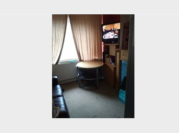 LARGE FURNISHED DOUBLE ROOM - BILLS INCLUDED UNLIMITED...