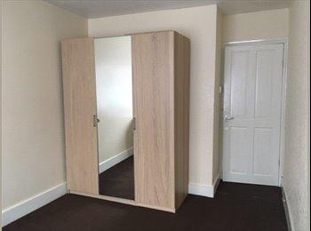 Spare room in Stratford