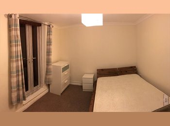 2 newly refurbed bedrooms close to town centre