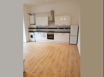 Beautiful double room in a newly refurbished flat