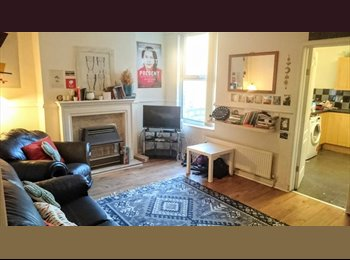 EasyRoommate UK - Large Room in a 4-bed 2-BATH Lovely House, Wavertree - £325 pcm