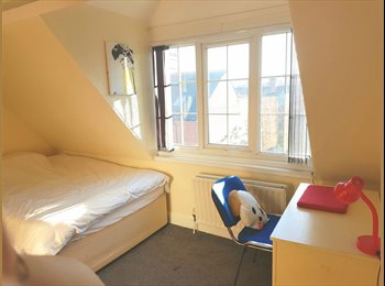 2 ROOMS IN STUDENT HOUSE - RENT PAID FOR DECEMBER!!