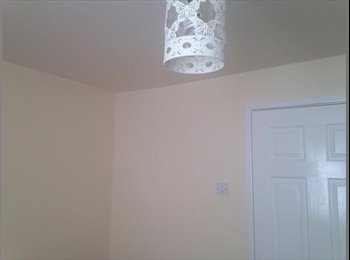 EasyRoommate UK - Furnished Double Room available near Salford University, Salford - £300 pcm