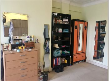 EasyRoommate UK - Ensuite Big double room, Chalk Farm - £951 pcm