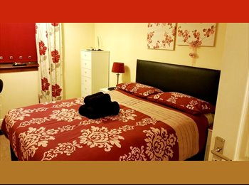 DOUBLE OR TWIN ROOM IN RIVERSIDE FLAT, FREE WIFI!