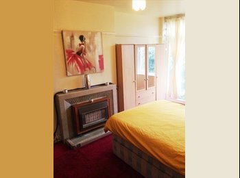 EasyRoommate UK - Large and Beautiful Double Room in Kingsbury, NW9, Colindale - £500 pcm