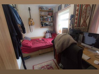Double room available in 4 bed house