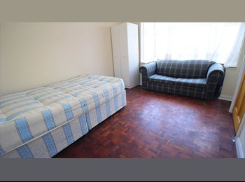 Single Room NOW CHEAPER - 130PW