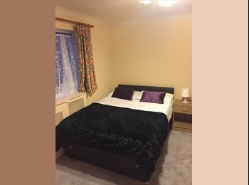 *LARGE DOUBLE CLOSE TO THE ROYAL SUSSEX HOSPITAL*