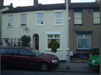 3 bedrooms in 3 bed house in East Croydon