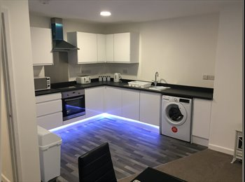EasyRoommate UK - ***5 Bed Very Large Property Conservation area!***, Longton - £425 pcm