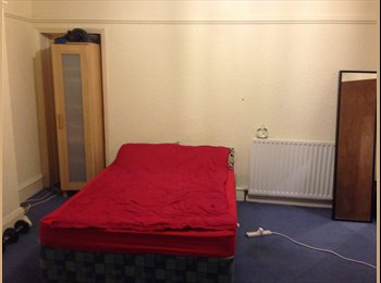 Cheap, big room to rent in Jesmond