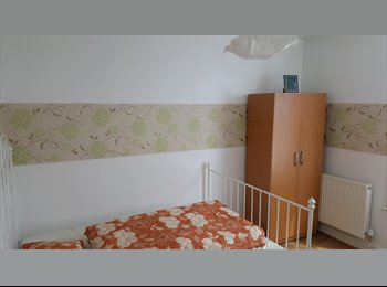 Double room in Mile End, 703