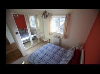 Maidenhead double room to rent