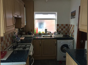 Double room for rent for a working girl