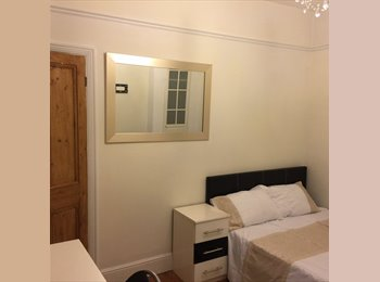 Beautiful Double Room to Rent South of Northampton Town...