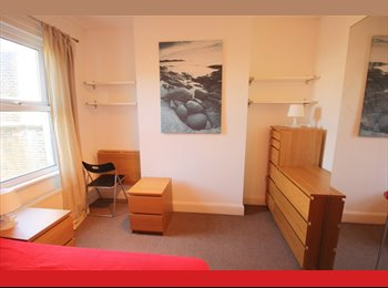 A lovely double room nearby Surrey Quays
