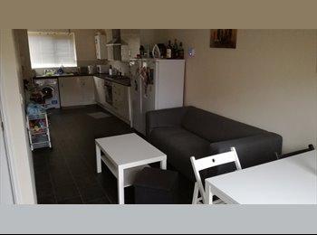 Room to rent in Grove village, Ardwick