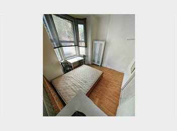 Refurbished Spacious House In the centre - No Agency