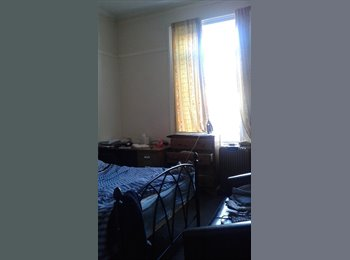 02 double rooms for rent