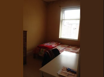 Nice double room available now