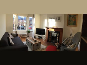 Lovely double room in Victorian terrace
