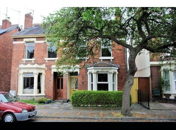 EasyRoommate UK - Monday to Friday Lodger required in lovely house in Gloucester , Gloucester - £350 pcm