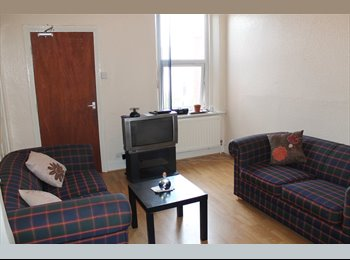 3 Rooms to Rent in Heaton with Bills