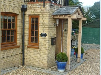 EasyRoommate UK - Country Cottage with Access to rail A1 and Cambridge, Royston - £600 pcm