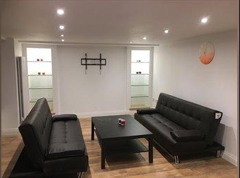 EasyRoommate UK - stunning house share , Longsight - £375 pcm