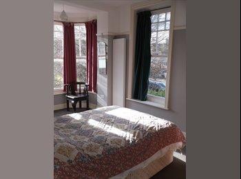 EasyRoommate UK - Sunny Double Aspect Room in Large Friendly House located TN38, Saint Leonards-on-sea - £500 pcm