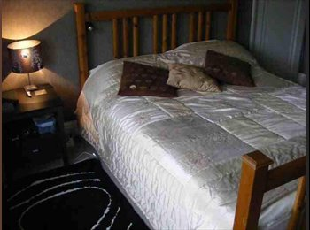 EasyRoommate UK - Boutique house share - Chester close to Countess of Chester Hospital , Chester - £550 pcm