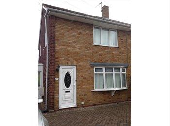 EasyRoommate UK - SINGLE ROOM IN SHARED HOUSE, NEAR BILSTON/WEDNESBURY, Lunt - £220 pcm