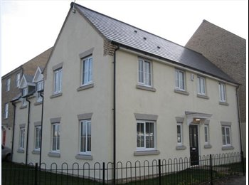 EasyRoommate UK - Ground Floor Double in Modern House Share, Castle - £500 pcm