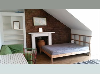 EasyRoommate UK - Double bedroom in family home in West End, Hillhead - £400 pcm
