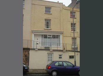 EasyRoommate UK - Double bedroom in Clifton Village, Clifton - £450 pcm