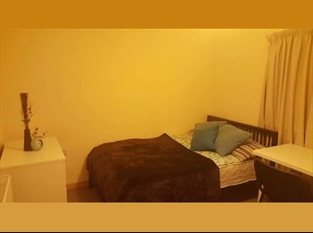EasyRoommate UK - Room available in Wollaton, Lenton - £368 pcm