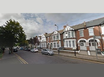 Stunning Single Bed Room available for immediate move /...